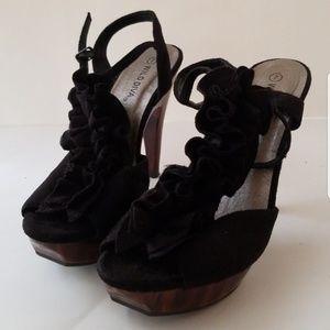 Wild Diva heels platform T-strap ruffle black